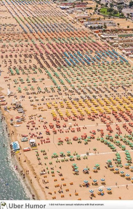 Aerial view of a beach in Italy | uberHumor.com | El Pekecito | Scoop.it