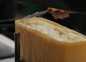 TV5MONDE : Le Raclette du Valais | Épicier, Cav... | Marque Valais | Scoop.it