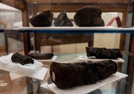 Unlocking Scrolls Preserved in Eruption of Vesuvius, Using X-Ray Beams | Étoile Platform | Scoop.it