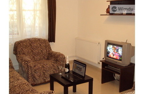 Luxor apartment, 45km away from Dracula castle | Cheap accommodation Romania, Busteni Prahova Valley | Scoop.it
