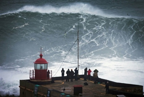 Portugal : à Nazaré, le surf vogue sur les traditions - Marianne | Nazare | Scoop.it