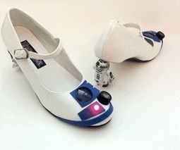 R2-D2 Heels: The Droid Shoes That You're Looking for | All Geeks | Scoop.it