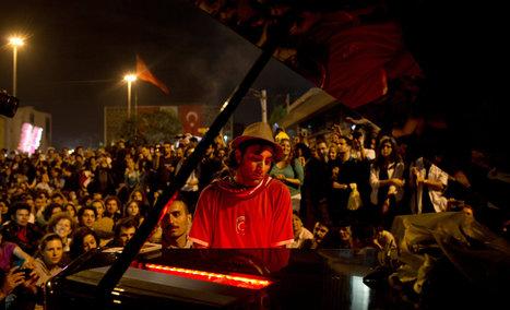 The Pianist Davide Martello Calms Istanbul Tensions | whatshappeninginTurkey | Scoop.it