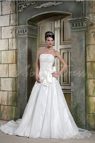 Wedding dress and everyday clothing numbers produce different ... | Lace Wedding Dresses | Scoop.it