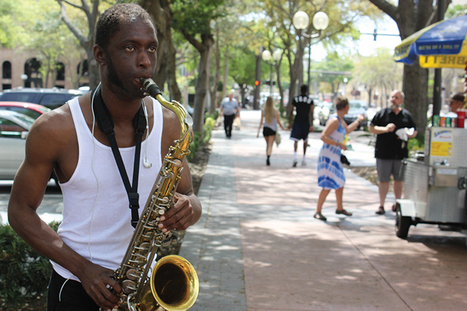 Sax on the street | DESARTSONNANTS - CRÉATION SONORE ET ENVIRONNEMENT - ENVIRONMENTAL SOUND ART - PAYSAGES ET ECOLOGIE SONORE | Scoop.it