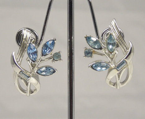 Vintage Coro Blue Rhinestone Clip Back Earrings Floral Design   Vintage Jewelry   Scoop.it