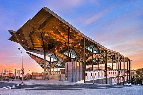 David Cardelus captures twisted roof of Barcelona flea market - designboom | architecture & design magazine | The Architecture of the City | Scoop.it