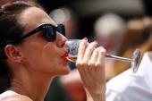 How Will Wine-Soaked Women Resist Pinot Popcorn? - New York Observer | Wine labels | Scoop.it