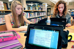 Do Girls Learn Differently Online? « Annie Murphy Paul | digital divide information | Scoop.it