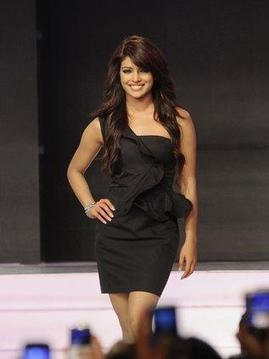 Priyanka Chopra Reclaims her World Sexiest Asian Woman Crown | Style Den | Scoop.it