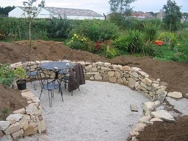 Un muret en pierre naturelle dans votre jardin | Côté Jardin | Scoop.it