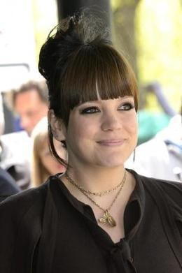 Lily Allen's lyrics inspired by motherhood - Movie Balla | News Daily About Movie Balla | Scoop.it