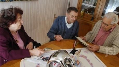 Un trésor familial ressurgit : les insignes d'un poilu de 14-18 remis à sa fille 50 ans après leur découverte dans un jardin du Mâconnais | Nos Racines | Scoop.it