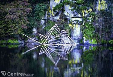 Nils Udo présente les photographies du Radeau d'automne au Musée de la vallée de la Creuse I Eguzon, Village étape | Vatan Tourisme | Scoop.it