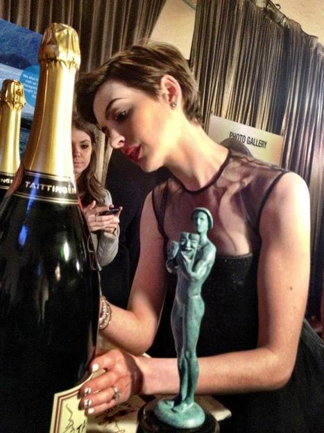 Champagne Taittinger 'Bubbles' hologram-effect | Luxury news and exclusive luxury interviews. The new luxury exposed. Green. Business.Best Of | Champagne.Media | Scoop.it