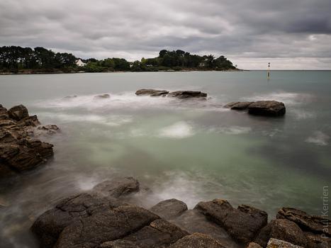 photo en Finistère, Bretagne et...: au pied du phare de Pouldohan à Trégunc (6 photos)   photo en Bretagne - Finistère   Scoop.it
