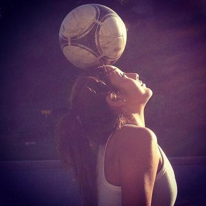 Twitter / MotivacionesF: Mujer que juegue al fútbol, ... | Futbol | Scoop.it