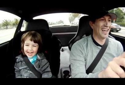 Un père emmène son petit garçon à l'école en Porsche. Et il se passe quelque-chose. | Folioscoop | Vie de Famille, Vie de Parents | Scoop.it