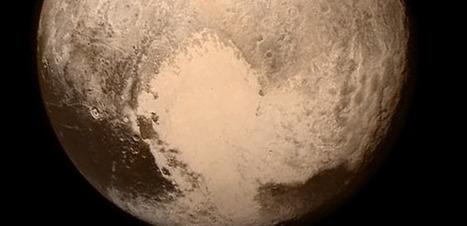 VIDEO. Un incroyable vol en rase-mottes au dessus de Pluton | ZeHub | Scoop.it