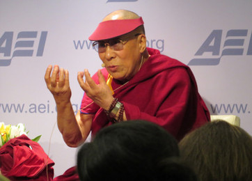 Protesters denounce the Dalai Lama as a 'dictator' - Religion News Service | History | Scoop.it