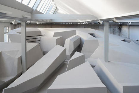 This Futuristic Office Doesn't Have Chairs And Desks | #CRE Commercial Real Estate | Scoop.it