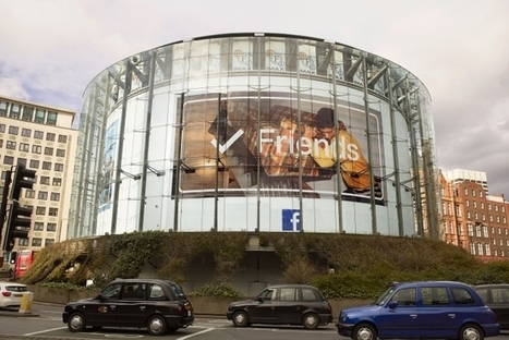 Facebook lance une impressionnante campagne publicitaire ! | Communication Romande | Scoop.it