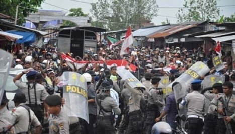 Freeport Indonesia union refuses to rule out strikes ahead of pay talks   Asian Labour Update   Scoop.it