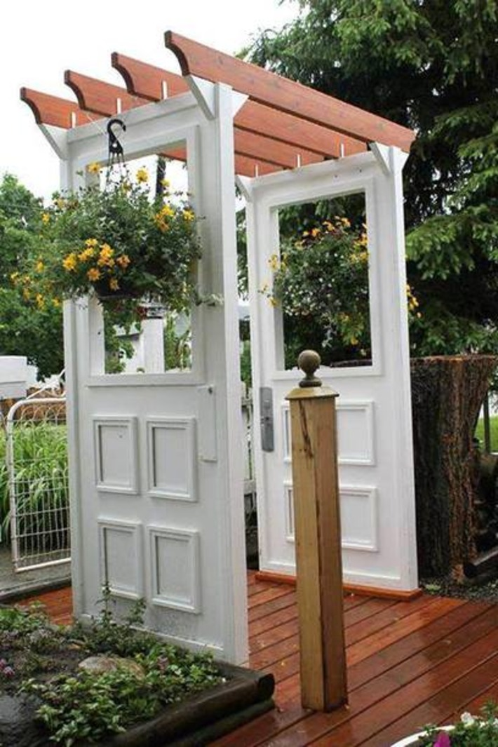 Repurpose Doors And Windows In The Garden (Photo Gallery ... | Antiques & Vintage Collectibles | Scoop.it