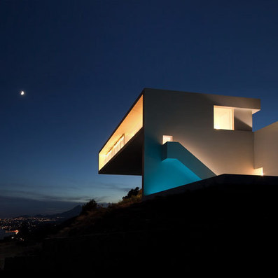 House on the Cliff by Fran Silvestre Arquitectos | Architecture and Architectural Jobs | Scoop.it