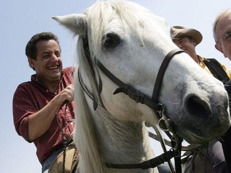 Christian Estrosi manifeste à cheval sur la promenade des anglais à Nice | Intervalles | Scoop.it