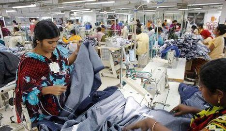 Coupe du monde: les usines du Bangladesh tournent à plein régime   Mauvaises fois et autres naivetés.... d'un systeme confronté à l'obligation de changement (mais pas encore assez au pied du mur)   Scoop.it