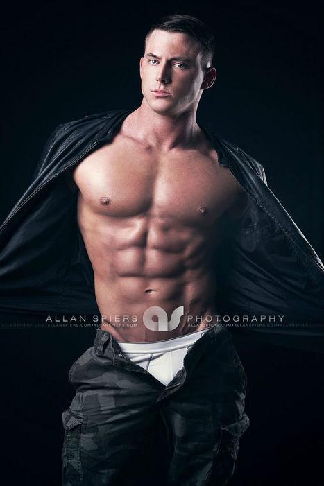 Blake Farley Shirtless by Allan Spiers - Shirtless Hunk Photos | FlexingLads | Scoop.it