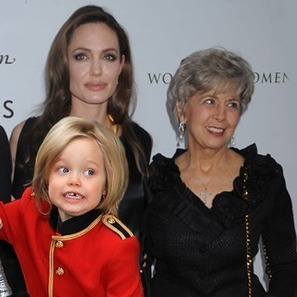 Angelina Jolie Says Brad Pitt's Mom Is 'Disrespectful' For Buying Shiloh Girly Clothes   MORONS MAKING THE NEWS   Scoop.it