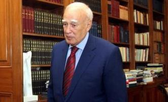 Angry Youths Attack House Of Greek President Papoulias; Hurl Rocks, Molotov Cocktails | ZeroHedge | Eurozone | Scoop.it