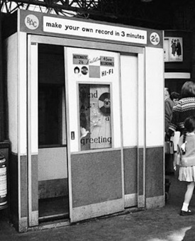 RETRO DUNDEE: RAILWAY RECORDING BOOTHS - 1960'S | Recording and Archiving Family History | Scoop.it