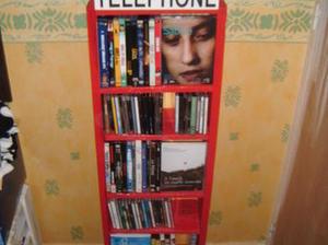 Meuble cd dvd en palettes au design d 39 une cab - Meuble cabine telephonique anglaise ...