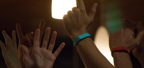 Trak : le bracelet connecté qui vous permet de revivre les playlists de vos soirées | music innovation | Scoop.it