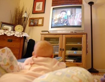Crabby babies and toddlers watch more television - Examiner.com | Early Learning Development | Scoop.it