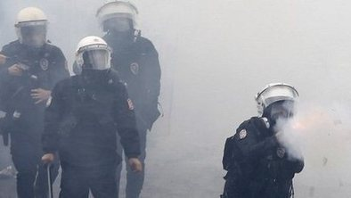 Tear gas at Turkish May Day protests | JessDeadyGeo200 | Scoop.it