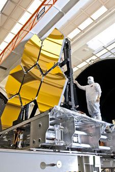 NASA - NASA's Webb Telescope Completes Mirror-Coating Milestone | Planets, Stars, rockets and Space | Scoop.it