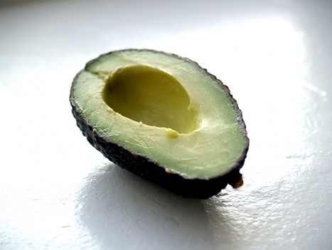 How to Use Avocados on Your Skin to Fight the Effects of Aging - One Green Planet | Shrewd Foods | Scoop.it