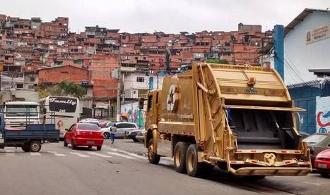 HAVE YOU SEEN THE WORLD'S FIRST GOLDEN GARBAGE TRUCK? | Recycled News! - Curated by CleanRiver Recycling Solutions | Scoop.it