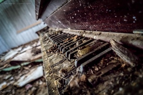 Random Image of the Week #43: Abandoned Upright Piano Found in Southern Kansas - Evolutionary Designs - Photography | Photography | Scoop.it