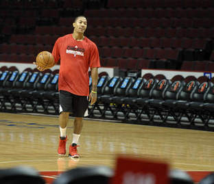 Derrick Rose practices with Bulls for first time since injury - Chicago Sun-Times | Sports Facility Management 4095530 | Scoop.it