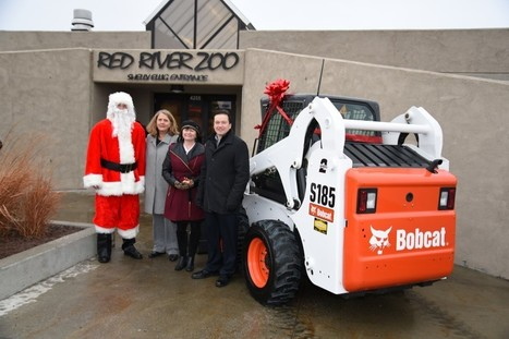 Bobcat donates S185 skid steer to zoo in Fargo | Earthmoving & Compaction | Scoop.it