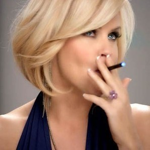 No More Nicotine! Company Offers Jenny McCarthy $1 Million To Drop E-Cigarettes | Ecig Me Please | Scoop.it