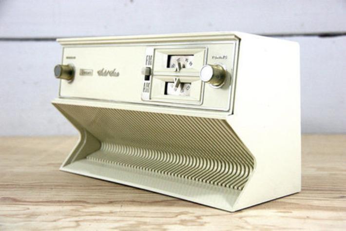 Transistor AM/FM Radio | Antiques & Vintage Collectibles | Scoop.it