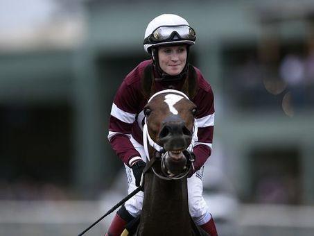 Untapable wins Breeders' Cup Distaff | Horse Racing News | Scoop.it