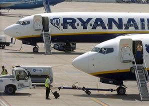 Las aerolíneas low cost crecieron un 7,6% en pasajeros en octubre - Expansión.com | Aviones | Scoop.it