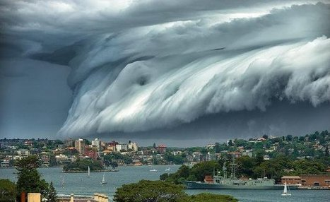"Une ""vague venue du ciel"" déferle sur Bondi Beach, Australie 